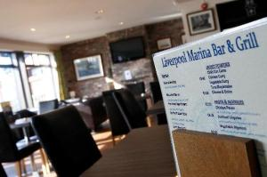 liverpool-marina-bar